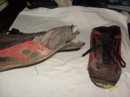Mit diesen Schuhen schickte Hausmutter Katrin Jünemann Timo am 25.05.2007 nach Hause